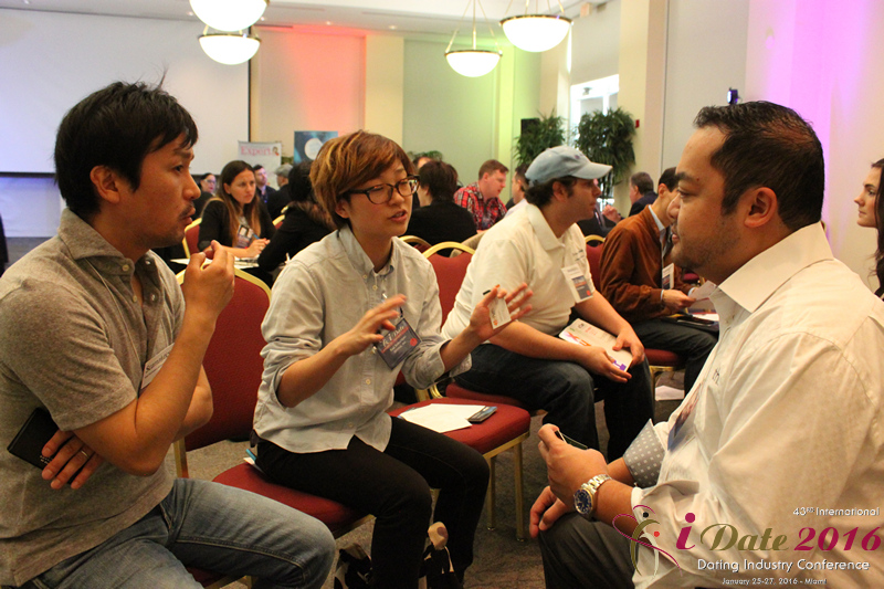 Speed Networking among C-Level Dating Professionals at Miami iDate2016